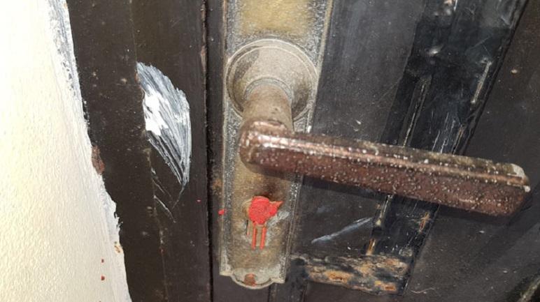 Algeria sealed lock 05 18