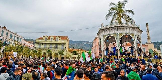 Les chrétiens algériens solidaires des aspirations du peuple Post_header_1200px-Manifestation_contre_le_5e_mandat_de_Bouteflika__Blida_